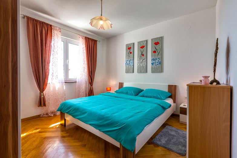 Apartment Kira