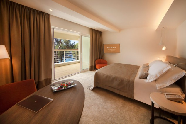 Double-bed room Hotel Bellevue 1/2 MB Superior